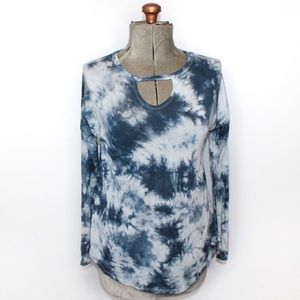 🎀3/$30 Calvin Klein Blue White Tie Dye Top Small